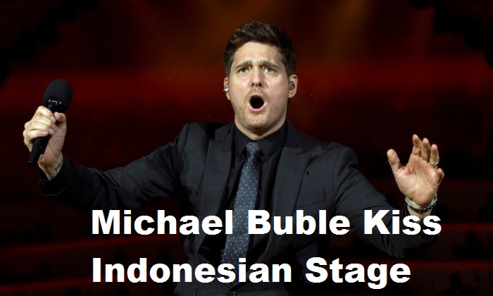 Michael Buble Kiss Indonesian Stage